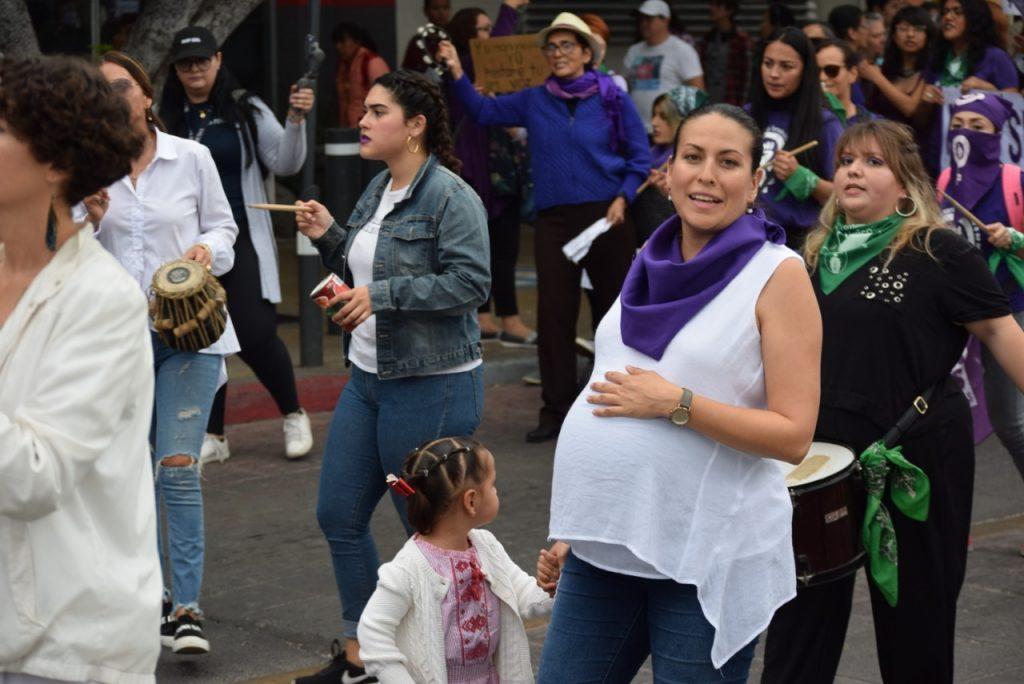Tras la marcha del 8 de Marzo, Día Internacional de la Mujer, destacó cifras de la ONU: 63 de cada 100 mujeres de 15 años han sufrido violencia en México.